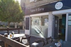 TAKE IT EASY FAMILY CAFE - Restaurants / Bar / Brasserie La CAESE
